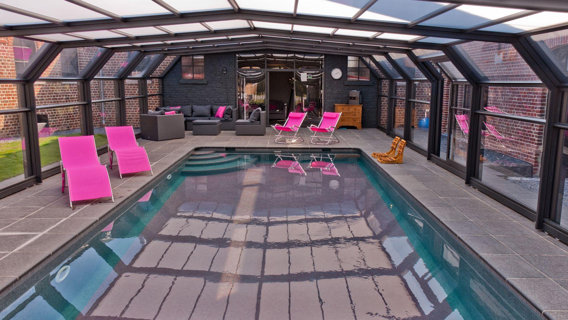 abri t lescopique pour piscine ext rieure actibuild. Black Bedroom Furniture Sets. Home Design Ideas
